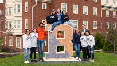 Student Government with senior gift B statue