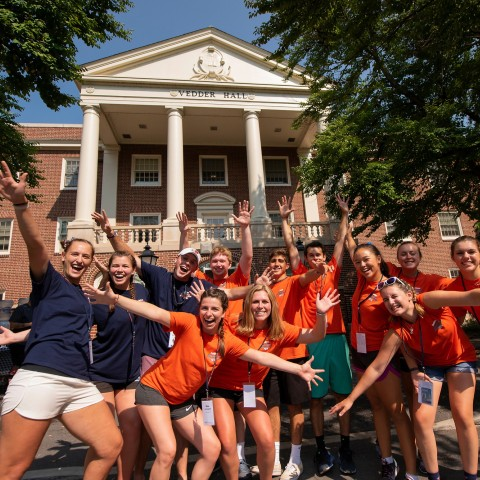 Welcoming Orientation Assistants on Move In Day