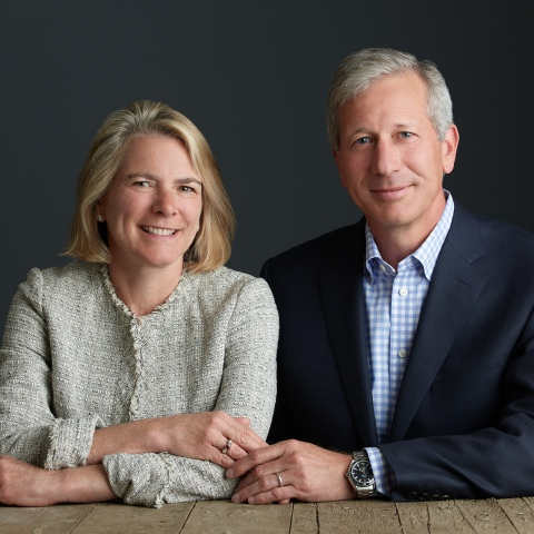 Portrait of Lance '85 and Julie Crenson Fritz '85