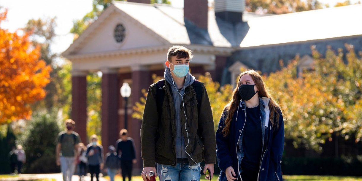 Bucknell students wear face coverings