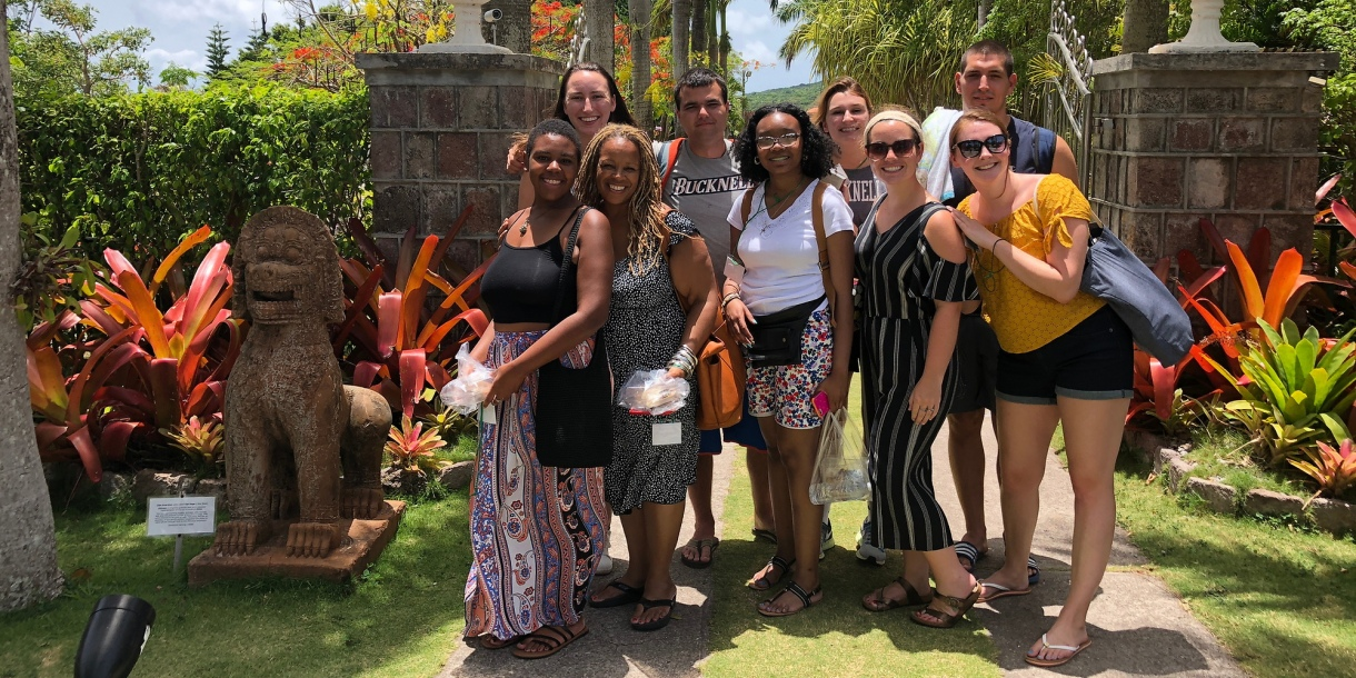 Bucknell in the Caribbean group photo