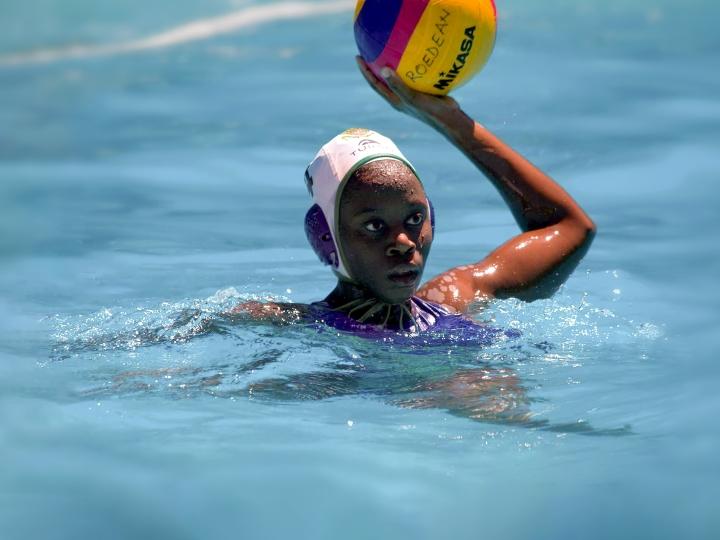 Boati Motau '25 playing water polo