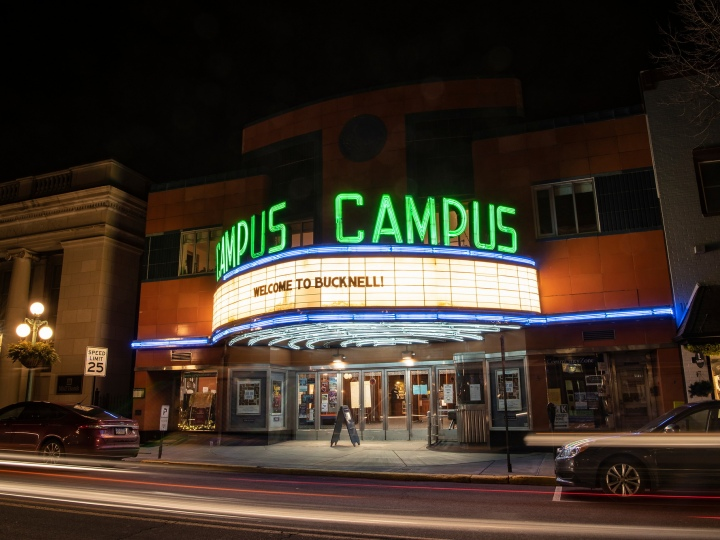 """Campus Theatre marquee reads, """"Welcome to Bucknell!"""""""