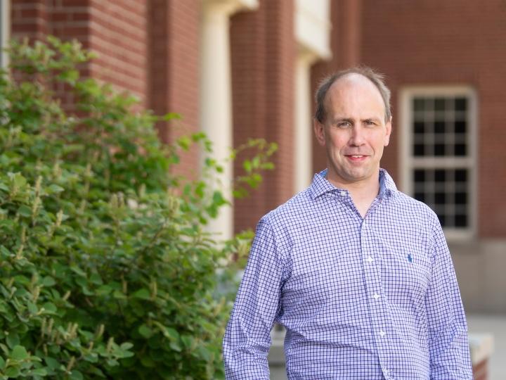 Portrait of professor Chris Ellis